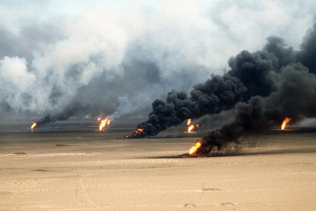 Desert-Storm-oilfields