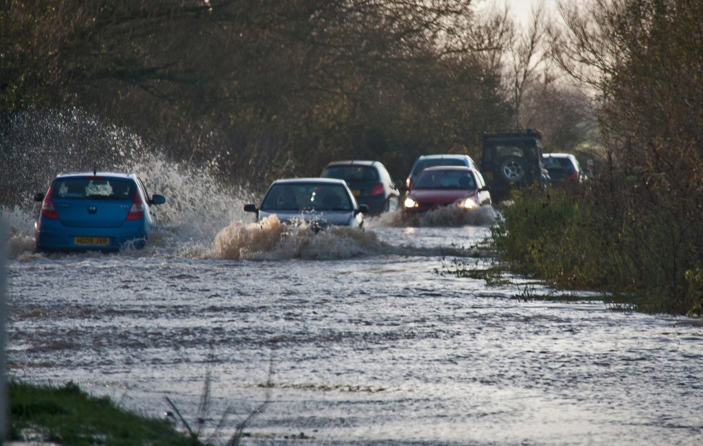 Cars-flooding