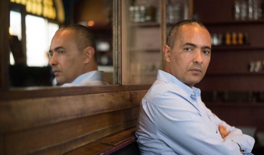Kamel-Daoud,-mirror